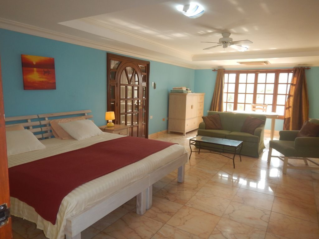 Caribbean 8 bedroom vacation rentals