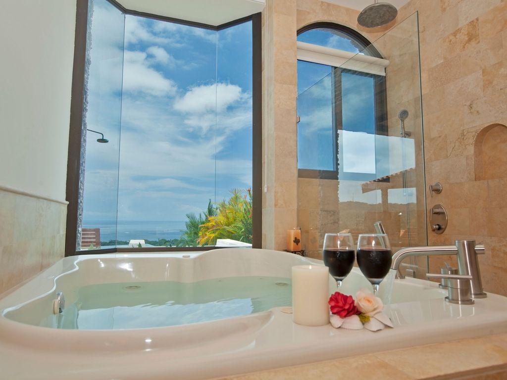 PerfectStayz.com - 3 Bedroom Luxury Ocean View Home with Infinity Pool