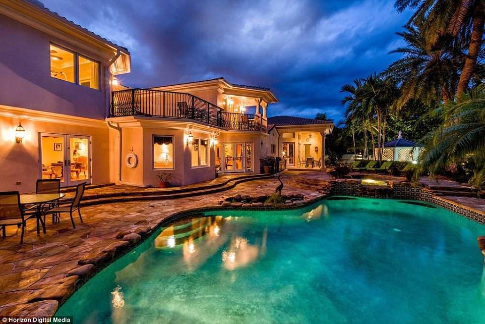 Awesome Casa De Mayan.