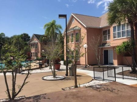Kissimmee Apartment rental: 1 Bedroom LUXURY Pool View - 312