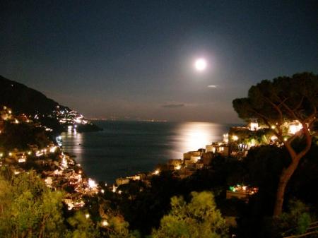pphoto_084555160818_Positano_by__night.jpg