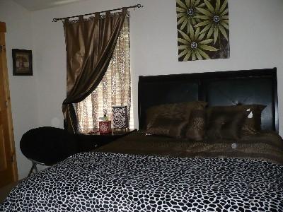pphoto_165832260912_Master_bedroom.jpg