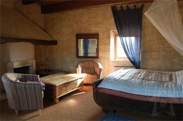 pphoto_184233220811_5_Travel_Apartment_Rental.JPG