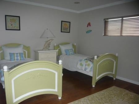 pphoto_233246180613_Guest_Bedroom.JPG